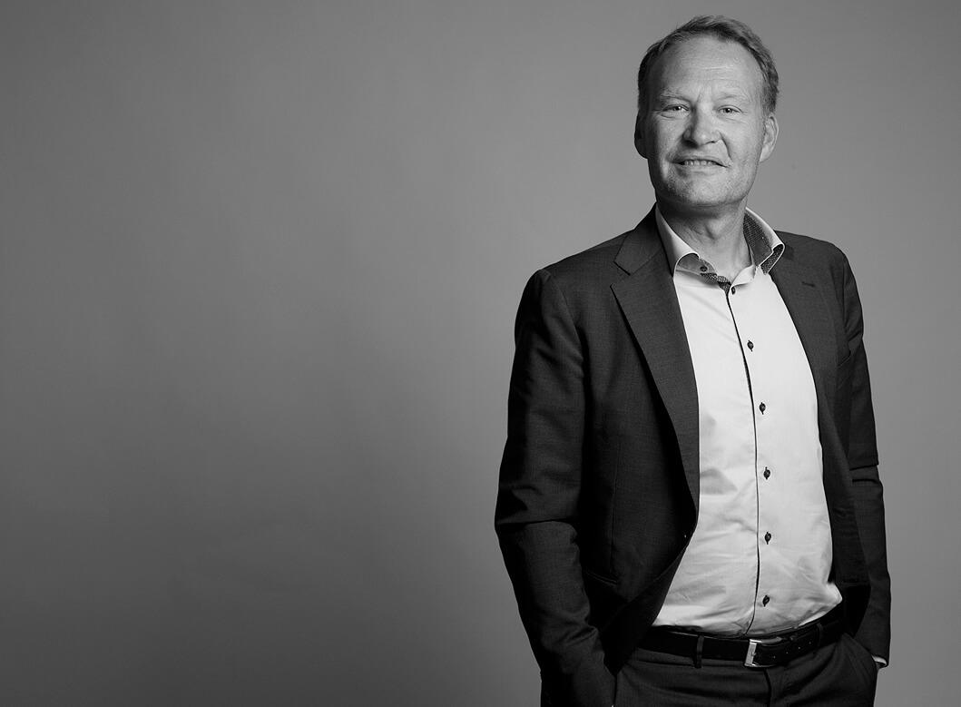 businessfotografie München, Studioaufnahme Businesspartner Geschäftsmann