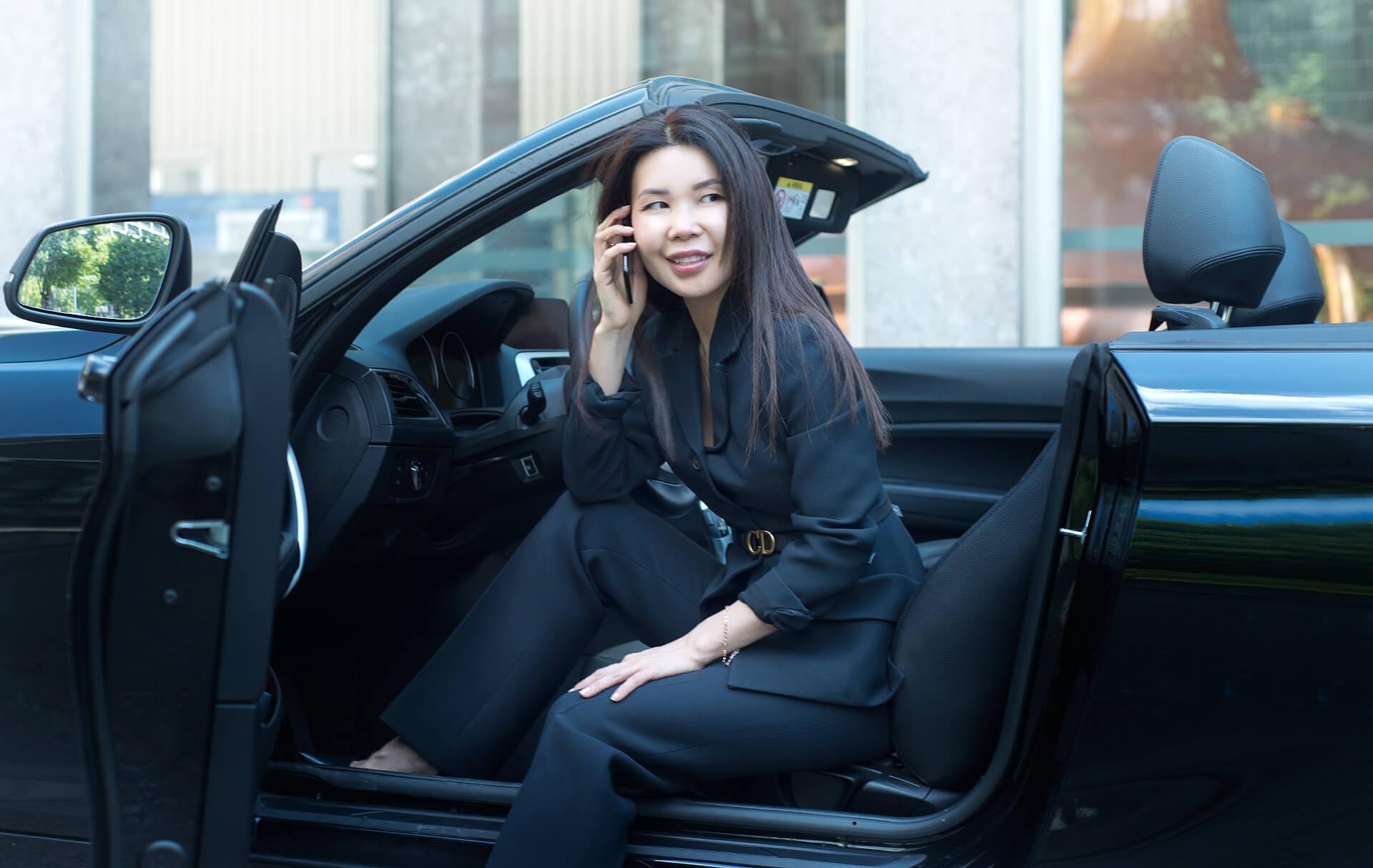 Businessfrau Businessportrait im Auto