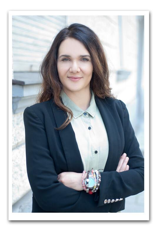 Businessportrait München Modern Frau Hübsch Businessfrau