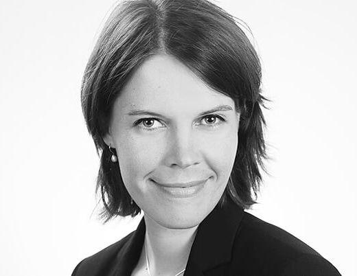 Bewerbungsfotos München Portrait schwarz-weiss Frau