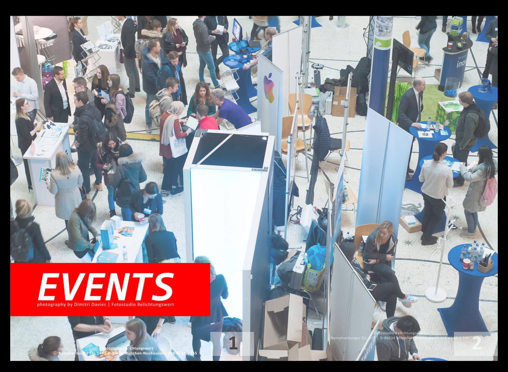 Eventfotografie München Saal mit Veranstaltung von oben fotografiert