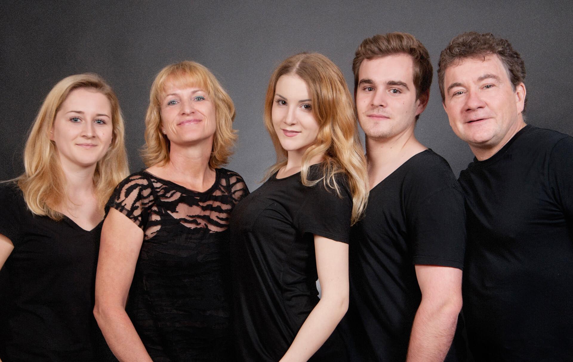 familienfotografie_fotostudio Familie mit 3 Kinder
