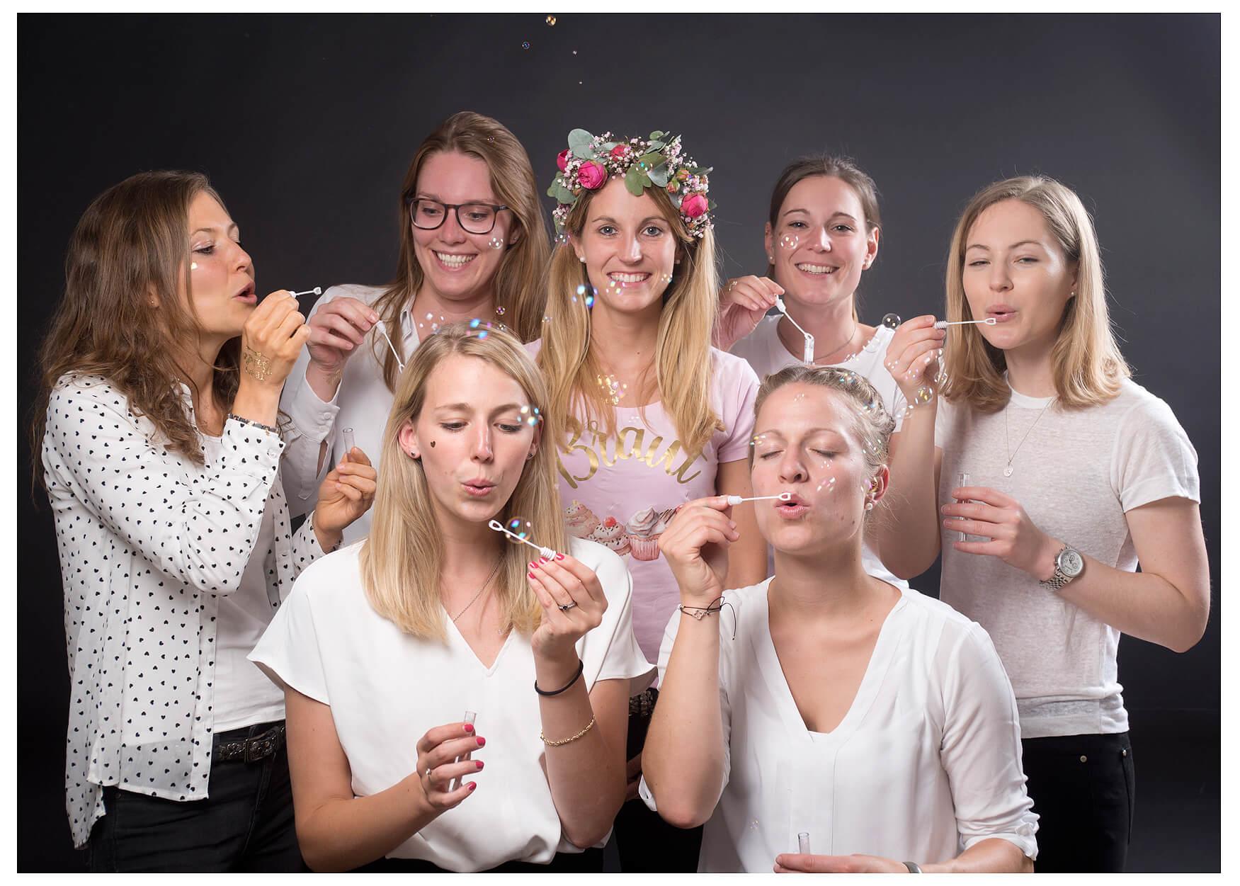 JGA Fotoshooting mit Seifenblasen
